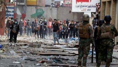 Photo of القوات الامنية تسيطر على جسر السنك والمتظاهرون ينسحبون إلى ساحة الخلاني