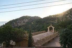 "Photo of في بقعة منسية.. إيزيديون يبعثون الحياة في ""مار عوديشو"" المسيحية"