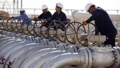 Photo of النفط يستقر مع انحسار إعصار أمريكي لكن مخاوف تعافي الطلب مستمرة