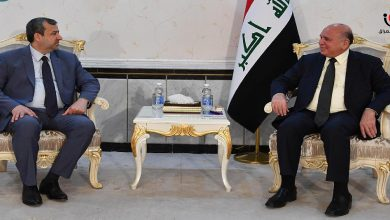 Photo of وزير الخارجية يبحث مع رئيس المفوضية استعدادات الانتخابات المبكرة