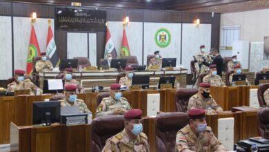 Photo of عاجل .. القائد العام للقوات المسلحة يترأس مؤتمراً أمنياً في مقر قيادة عمليات بغداد
