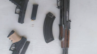 Photo of القبض على 5 مطلوبين بينهم متهم بقضايا إرهابية وتنفذ عملية تفتيش على السلاح غير المرخص في بغداد