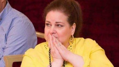 """Photo of إيمي سمير غانم تثير القلق على صحة دلال عبد العزيز: """"أمي تعبانة"""""""